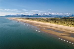 Harlech_Beach_From_Sea_Aerial